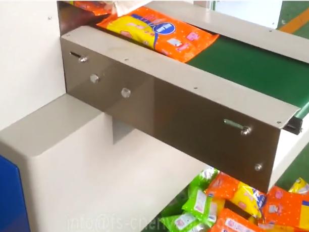 baby diaper packing machine video.